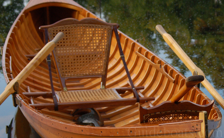 how to build a canoe seat